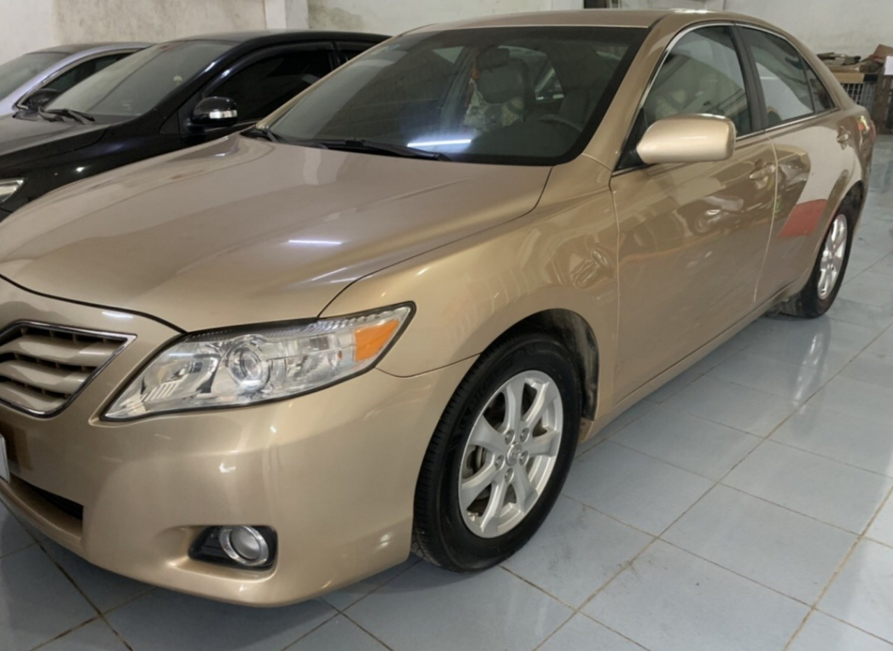 Toyota Camry 2.5LE 2010