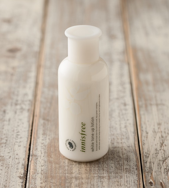 Sữa dưỡng trắng Innisfree White Tone Up Lotion